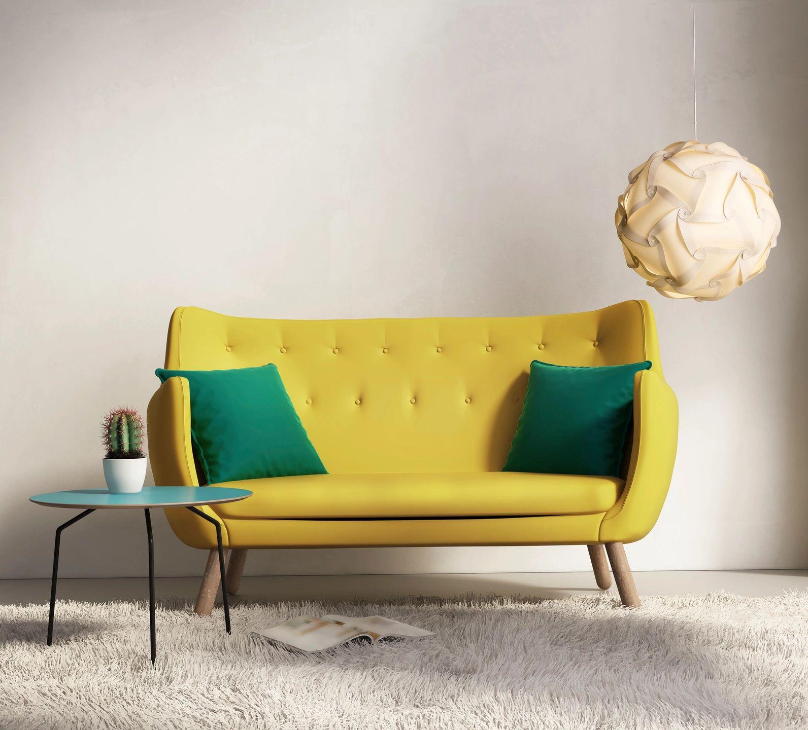 Sofa amarillo tapizado